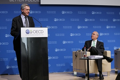 (OECD, Paris, 28 January 2016) - UN High Commissioner for Refugees Filippo Grandi with OECD Secretary-General Angel Gurría
