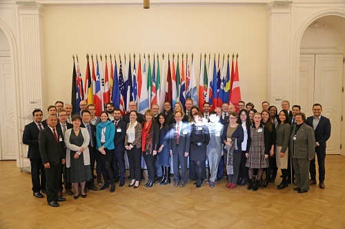 Group photo of the 2nd steering committee meeting of the World Observatory of subnational finance, 17/12/2018, Paris, OECD Headquarters