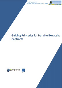 Cover of the English version of the Guiding Principles for Durable Extractive Contracts document