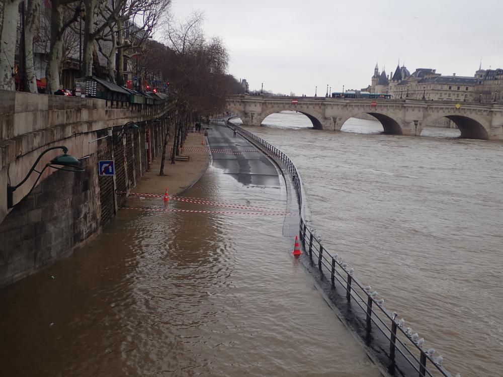 Flooding in seine river, Paris, France, Shutterstock 792164800