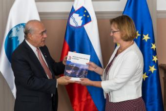 Photo of launch of Slovenian Economic Survey.