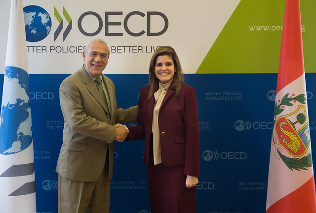 Mercedes Aráoz, Vice President, Peru, with the SG, Angel Gurria at OECD September 2017