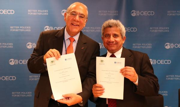 AMF OECD MOU signing